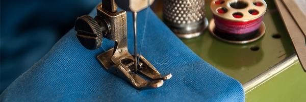 Hvad skal du gøre med dit gamle tøj 3 tips til at rydde op i dit klædeskab Lav det om til sommertøj - Hvad skal du gøre med dit gamle tøj? 3 tips til at rydde op i dit klædeskab