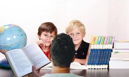 3 moderne forældre tips der ikke kan gå galt Lær dine børn hvordan man laver omfattende research - 3 moderne forældre-tips, der ikke kan gå galt